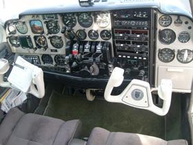 1964 BEECH B55 BARON N8682M Cabin
