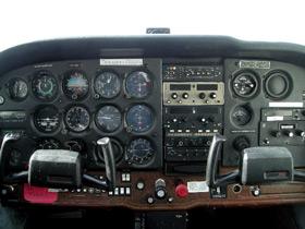 1982 Cessna SkyHawk Cabin