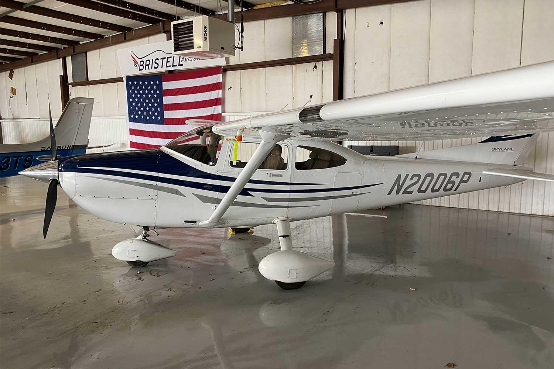 2006-Cessna-182T-N20006P