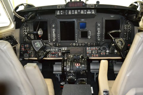 2006 King Air 350-N899JF-Cabin