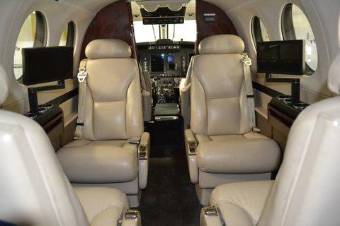 2006 King Air 350-N899JF-Seats